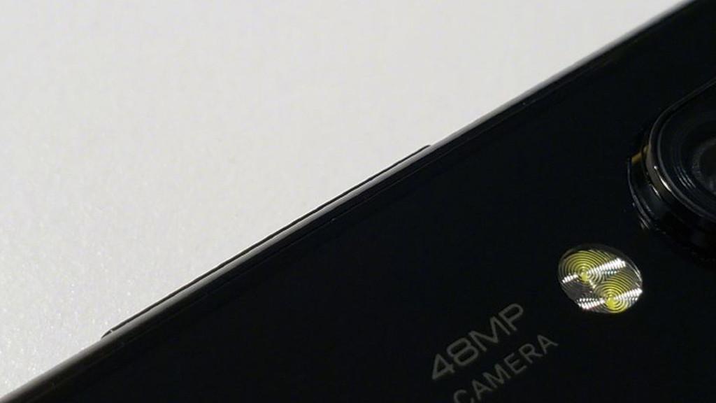 смартфон с 48-мегапиксельной камерой